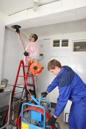 Как проводится прочистка вентиляционных систем