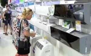 Покупатель выбирает сплит систему