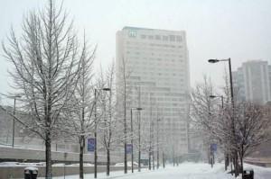Многоквартирный дом зимой