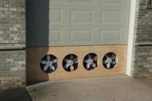 Вентиляция в двери гаража