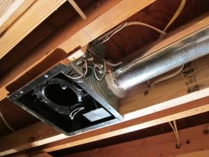 Этап 3 - подведение труб к вытяжке