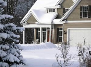 Дом зимой