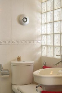 Приточный клапан в туалете